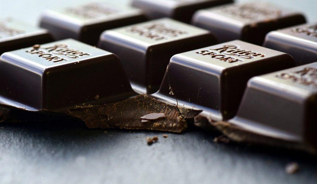 Składniki i zdrowotne właściwości gorzkiej czekolady