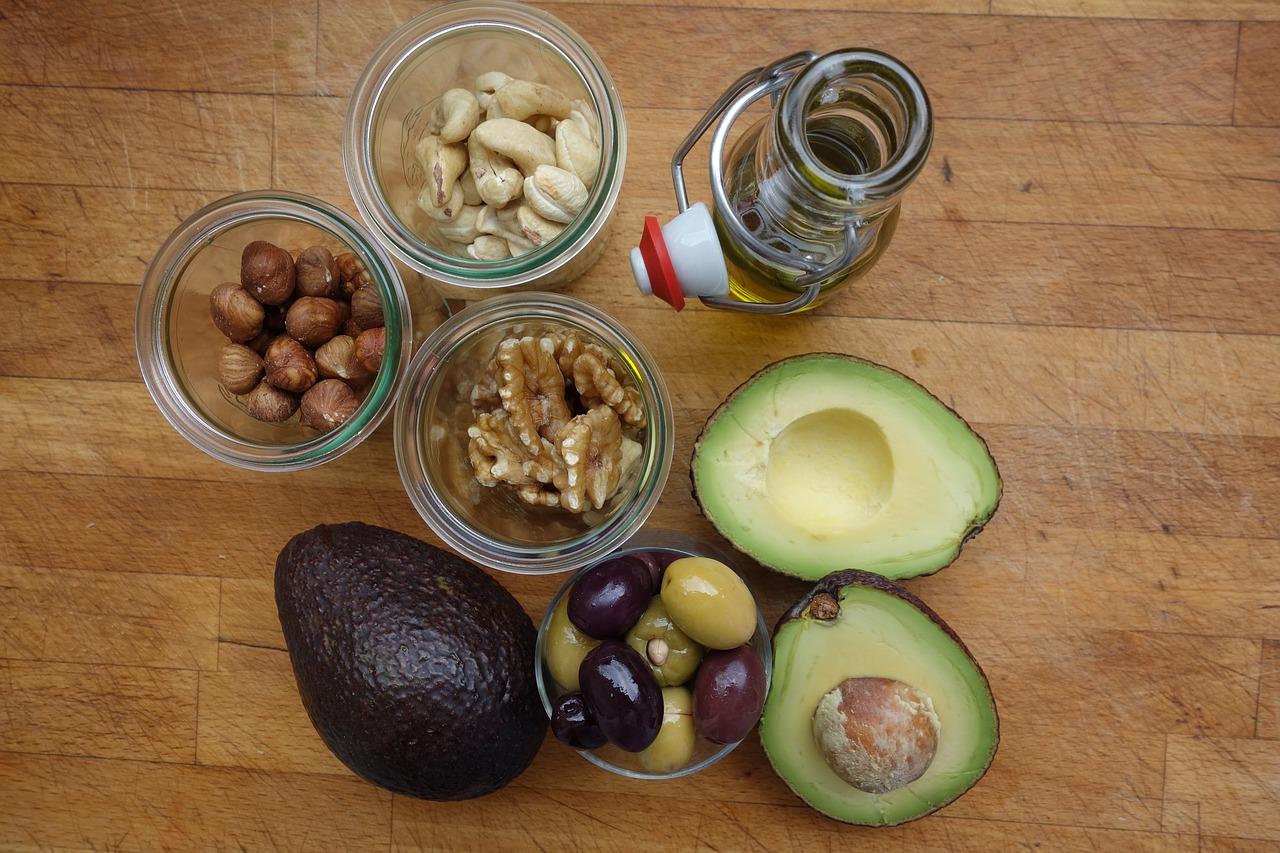 Tłuszcze – niezbędny składnik codziennej diety, także odchudzającej