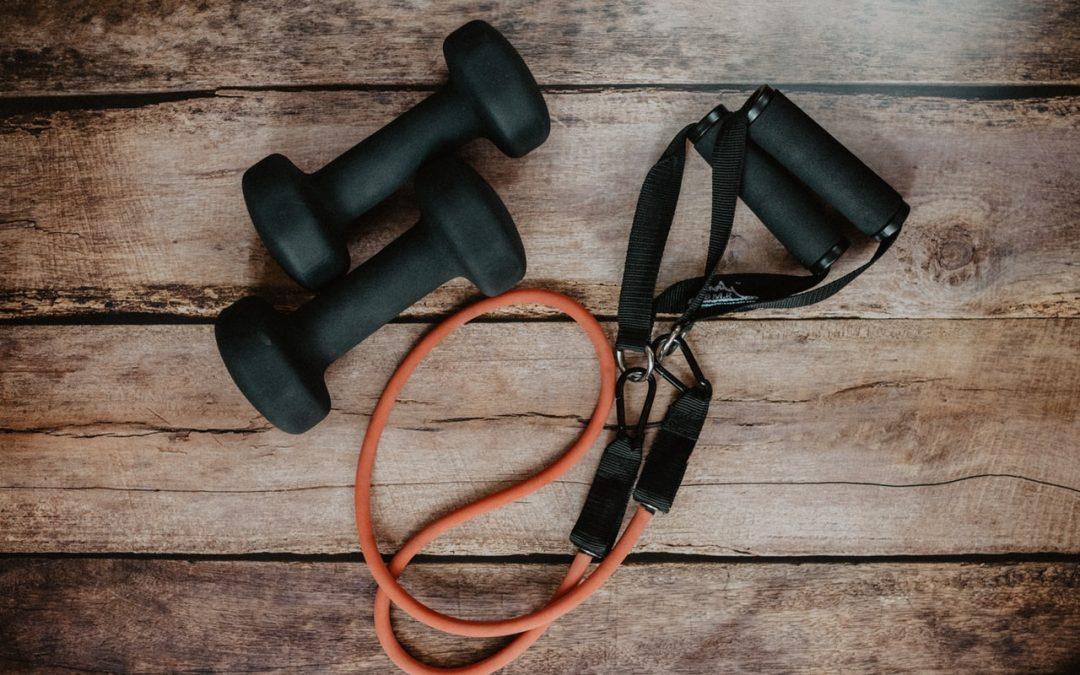 Jaki wybrać sprzęt do ćwiczeń w domu?