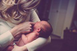 Jakie chusteczki nawilżane dla niemowląt wybrać?
